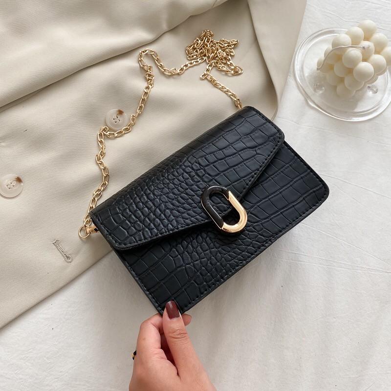 Женская классическая сумочка черная кросс-боди на цепочке рептилия клатч черный