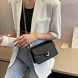 Женская классическая сумочка черная кросс-боди на цепочке рептилия клатч черный, фото 4