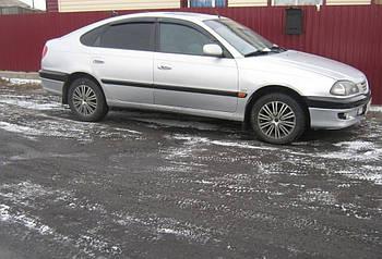 Дефлекторы окон (ветровики) TOYOTA Avensis hb 5d 1997-2003