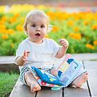 Развивающая книжка для коляски - Что наденет мишка Пол  Taf Toys 12605, фото 5
