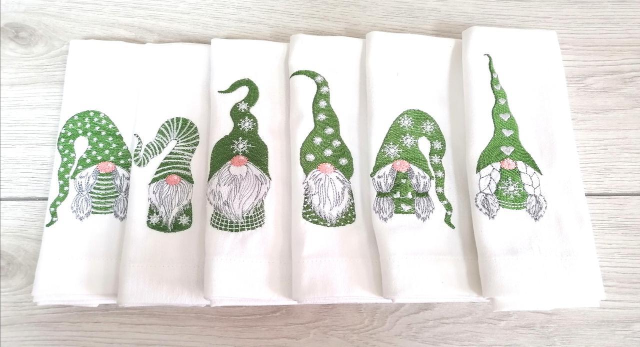 Новорічні вішиті серветки Скандинавські гноми (зелені)