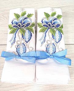 Новорічні вишиті серветки з блакитною вишивкою