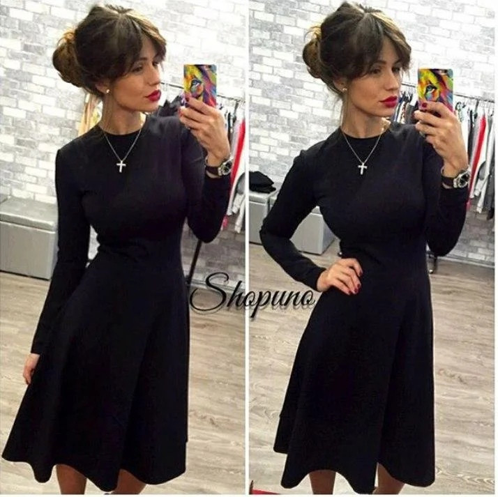 Женское трикотажное расклешенное платье