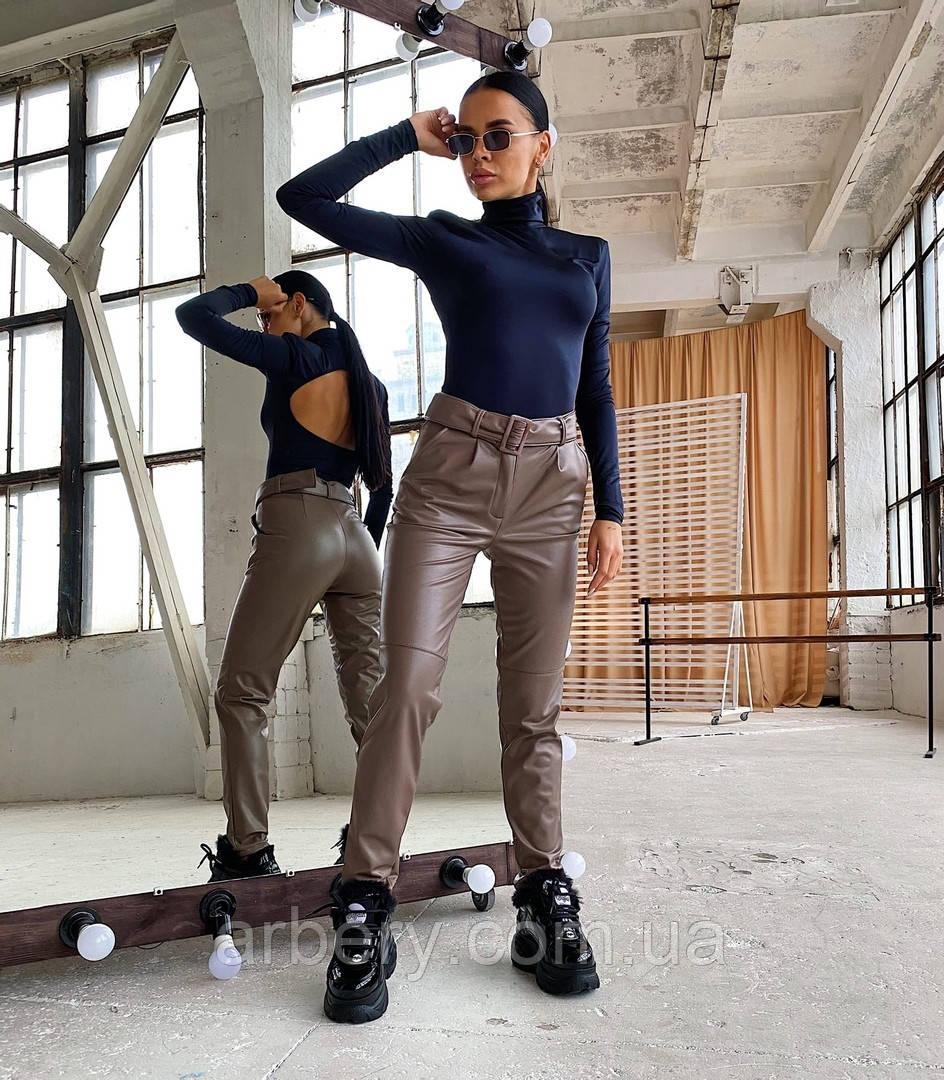 Шикарные кожаные брюки с ремешком