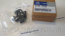 Кнопка стеклоподъемника передней правой двери Hyundai Accent RB