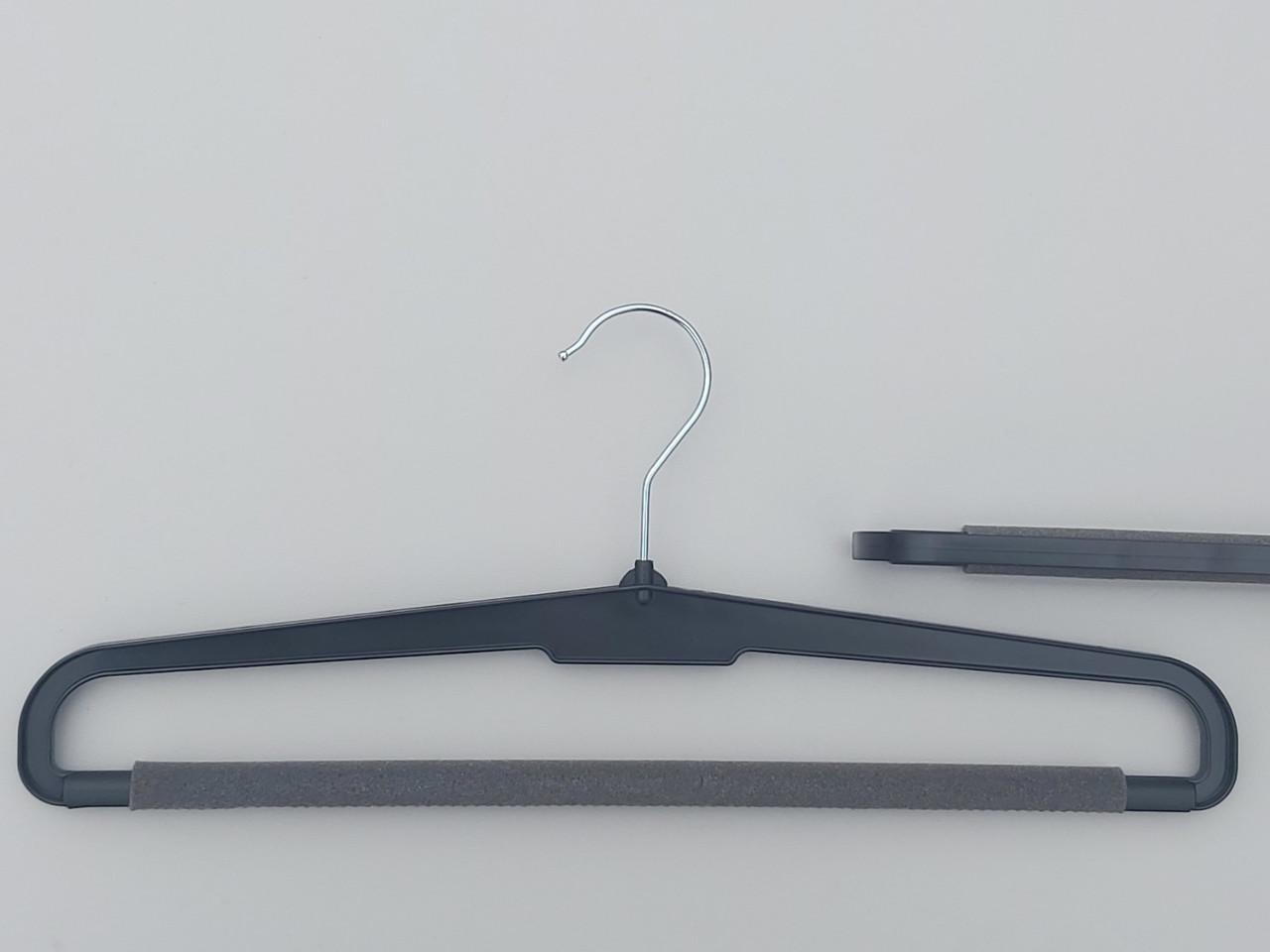 Плечики  BP41  черного цвета с поролоном,  длина 41 см.