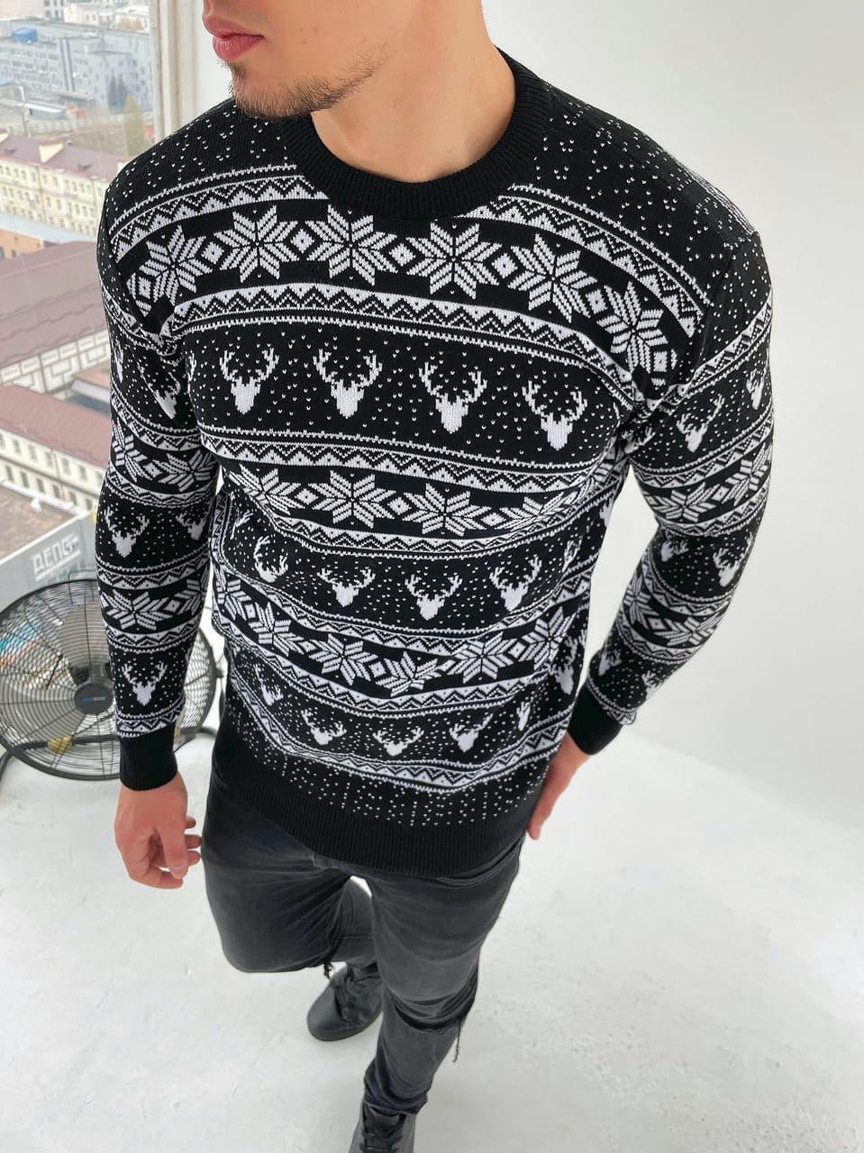 Чоловічий светр олені/орнамент чорний