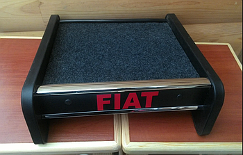 Столик (полку) на торпеду Fiat Ducato 2014 з логотипом