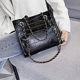 Женская классическая сумочка рептилия через плечо на цепочке черная, фото 3