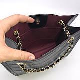 Женская классическая сумочка рептилия через плечо на цепочке черная, фото 5