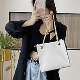 Женская классическая сумочка рептилия через плечо на цепочке белая, фото 2