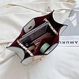 Женская классическая сумочка рептилия через плечо на цепочке белая, фото 4