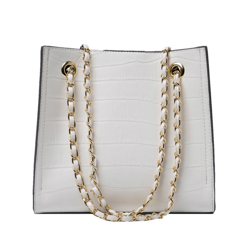 Женская классическая сумочка рептилия через плечо на цепочке белая