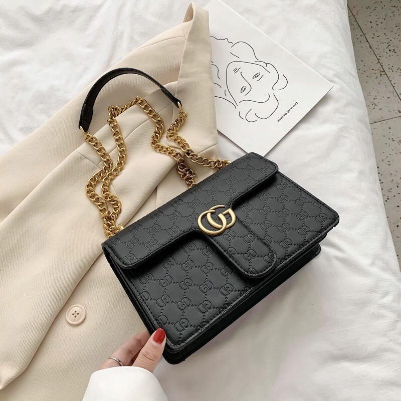 Женская большая классическая сумка кросс-боди на цепочке черная