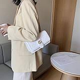Женская классическая сумка кросс-боди на цепочке белая, фото 5