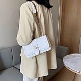 Женская классическая сумка кросс-боди на цепочке белая, фото 2
