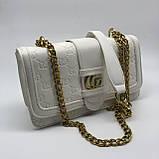 Женская классическая сумка кросс-боди на цепочке белая, фото 7
