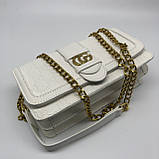 Женская классическая сумка кросс-боди на цепочке белая, фото 9