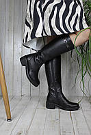 Женские зимние кожаные сапоги черного цвета