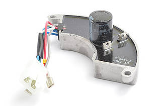 Авто регулятор напряжения генератора 5-6 кВт 220 В (250V470mf)