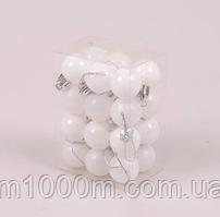 Набір пластикових білих новорічних куль 24 шт. D-3 див. 44405