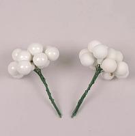 Шарики стеклянные 2 см. белые (12 пучков-144 шарика) 40207