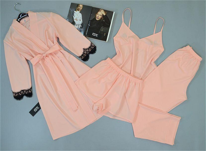 Комплект халат и пижама тройка ( майка штаны шорты) персиковый.