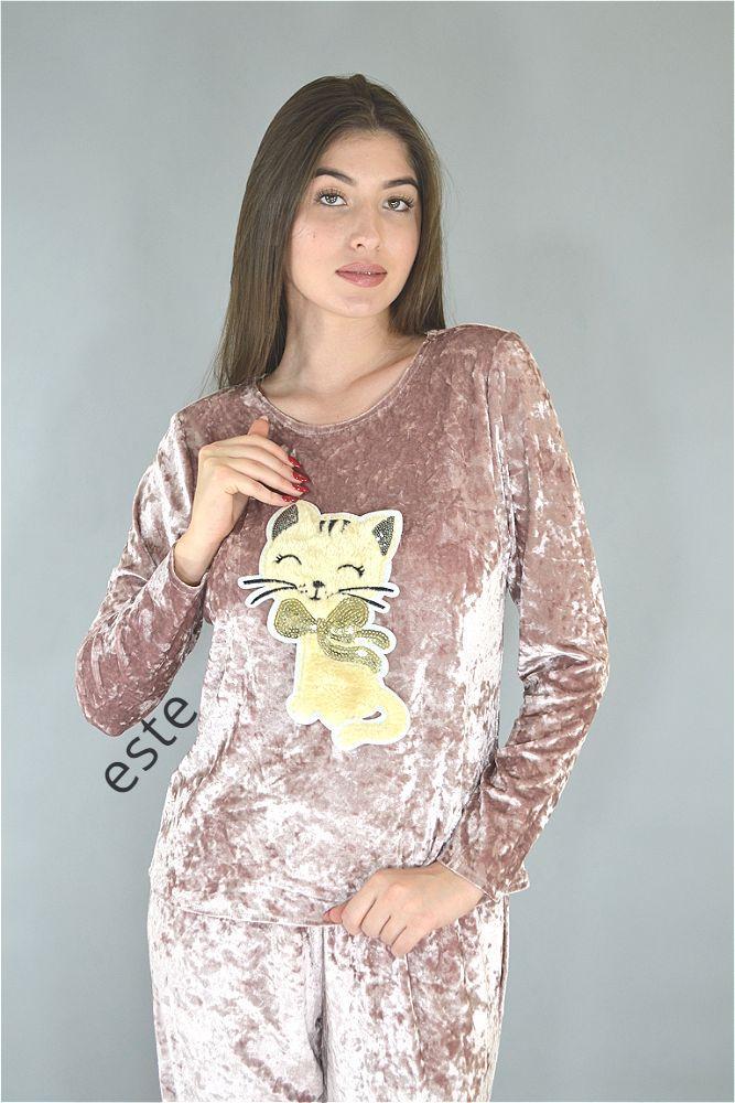 Пижама женская велюровая кофта и штаны с кошечкой. Теплые пижамы.