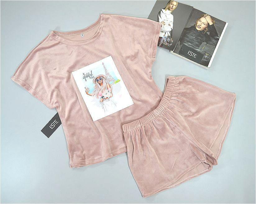 Бежевый комплект футболка и шорты  Este . Теплая велюровая пижама.