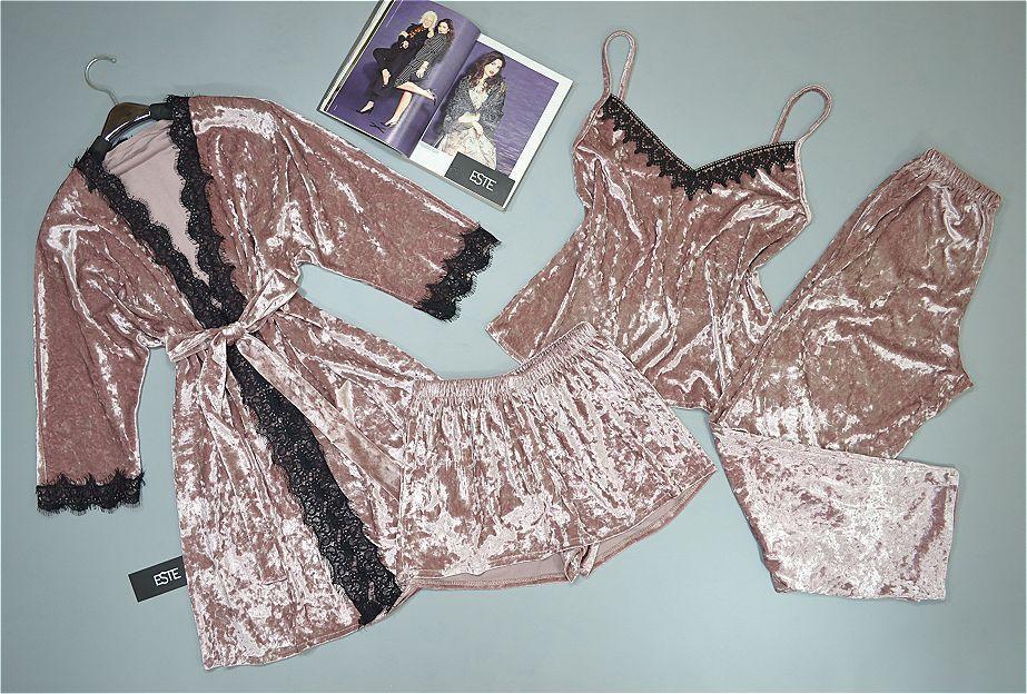 Женский комплект домашней одежды  велюровый 4 предмета пудровый.