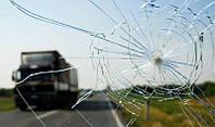 Як позбутися від відколів і тріщин на стеклах автомобіля?
