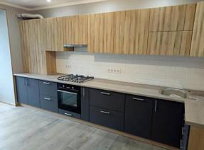 Черная кухня на заказ с верхом зебрано