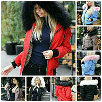 Эффектная женская зимняя куртка короткая на меховой подкладке с карманами и красивым капюшоном, фото 1