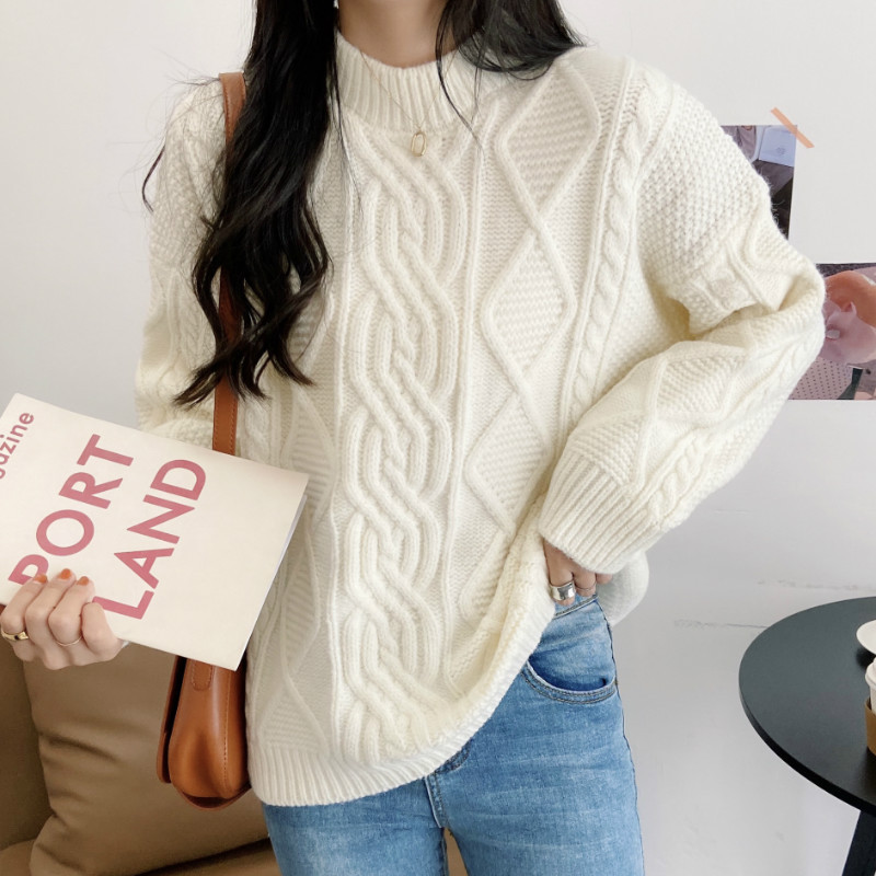 Женский свитер теплый зимний объемный ажурной вязки