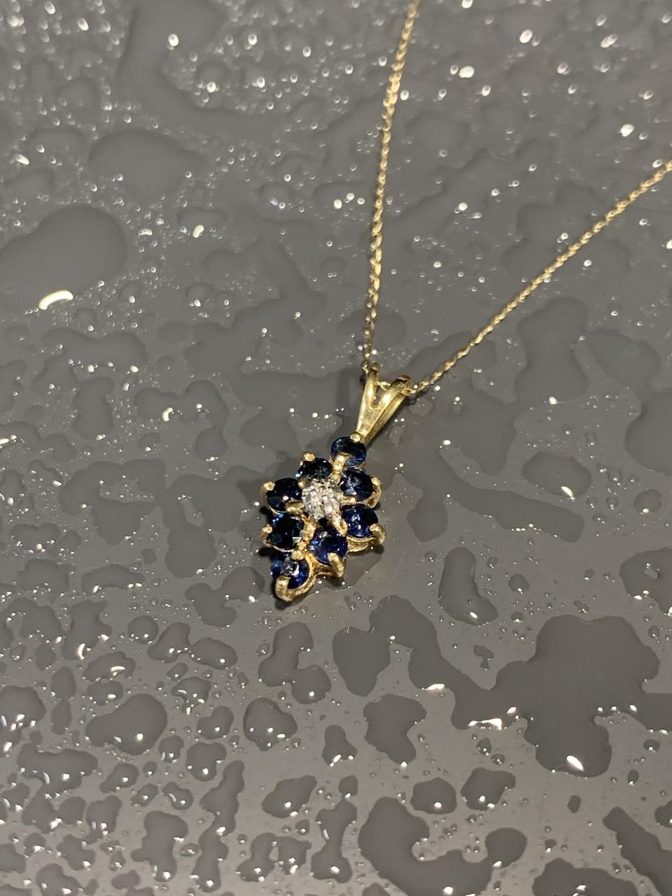 Золотая цепочка с кулоном сапфиры и бриллиант