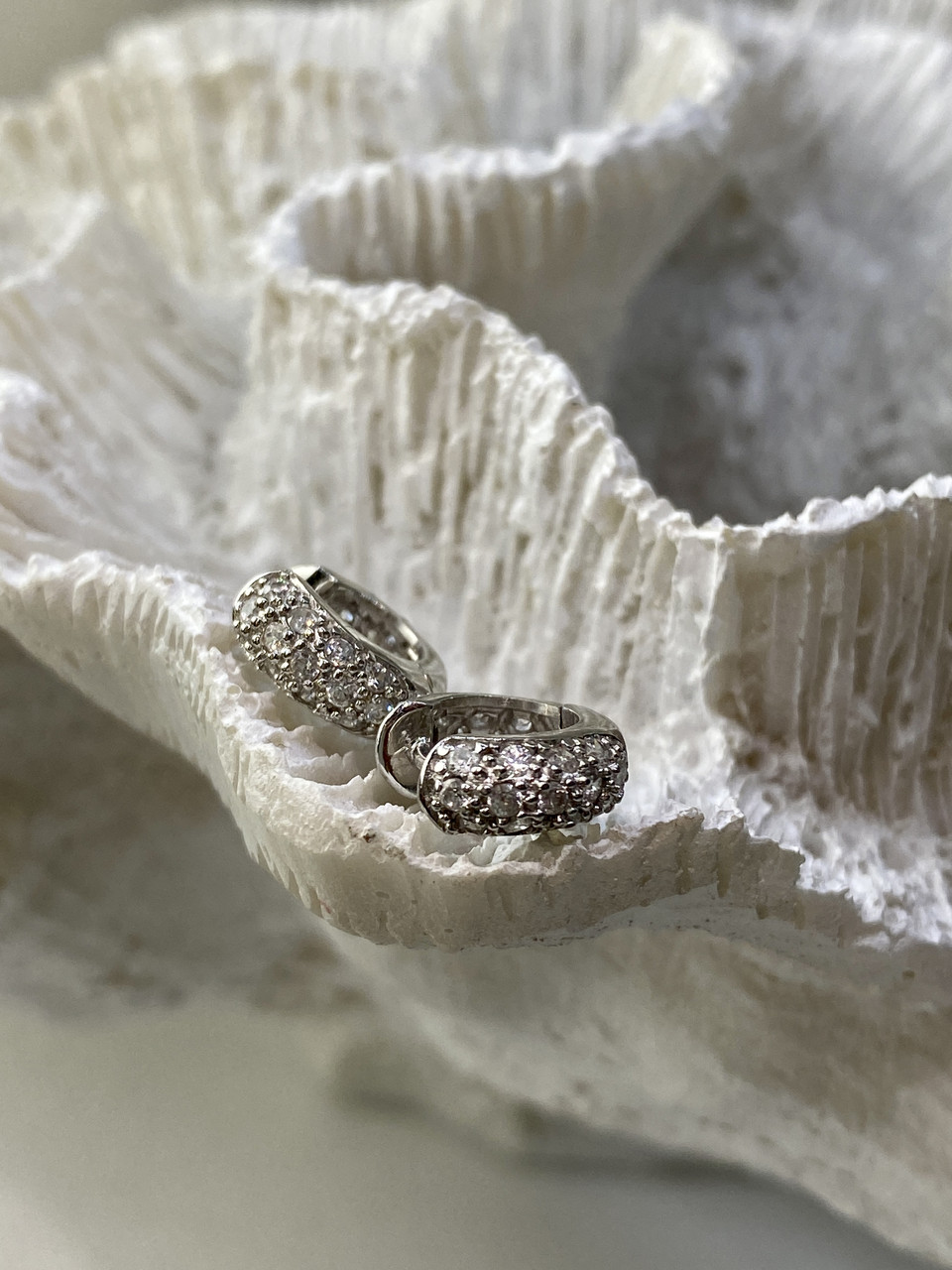 Серебряные серьги с фианитами  Маленькая радость