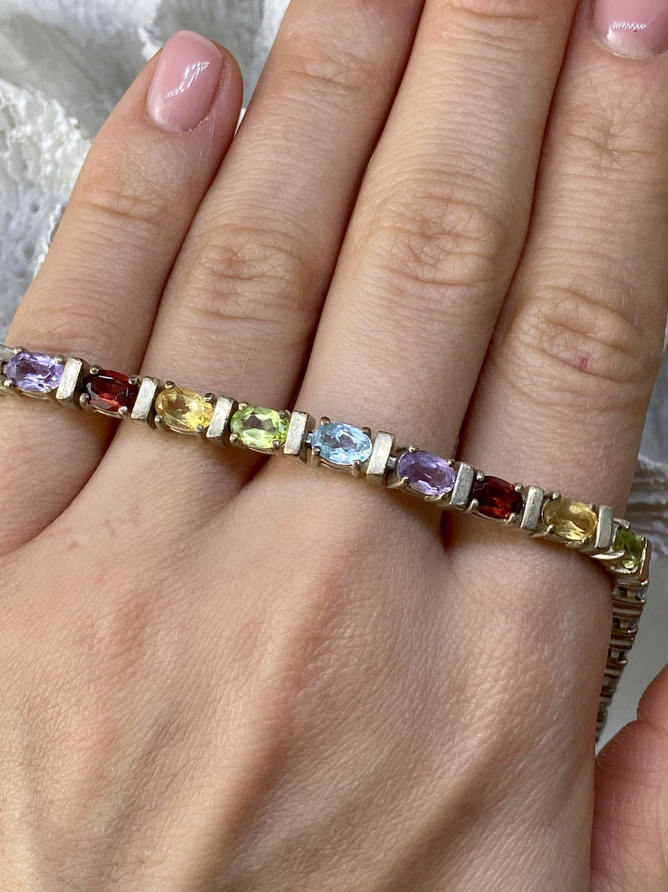 Серебряный браслет с натуральными камнями Очарование
