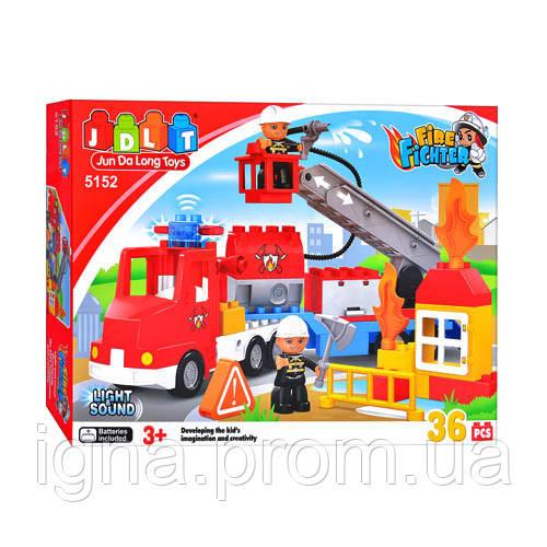 Конструктор JDLT 5152 (12шт) Пожарная машина, 36 дет, звук, свет, в кор-ке, 45-29-9см
