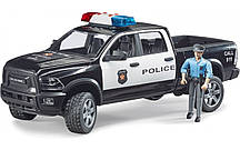 Игрушка Bruder Полицейский пикап Ram 2500 с фигуркой полицейского 1:16 (02505)