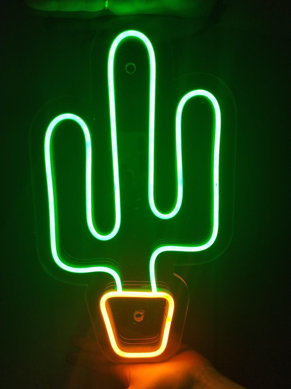 Неоновый светильник на стену CACTUS 20х30см
