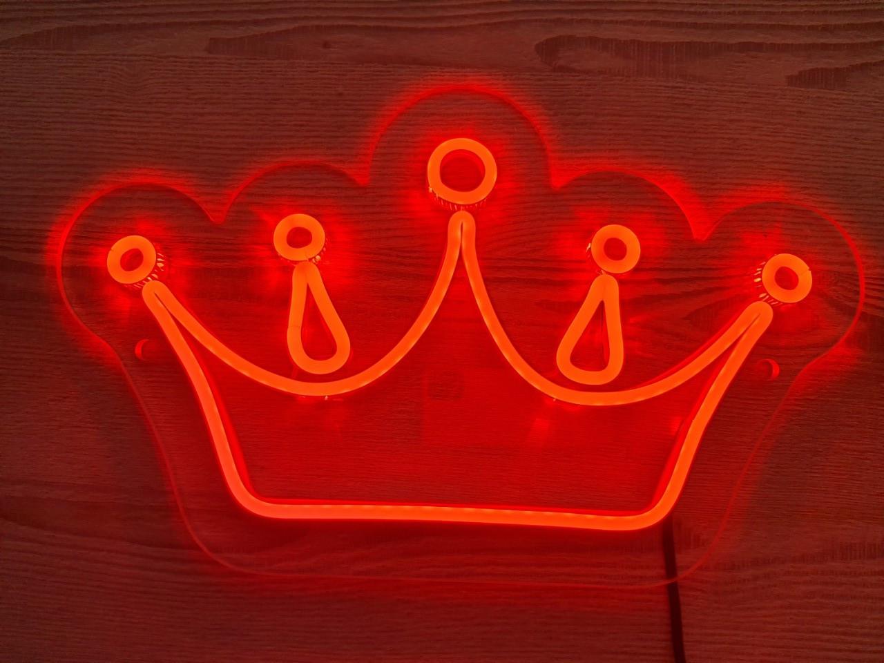 Неоновый рекламный логотип на стену CROWN 30х30см