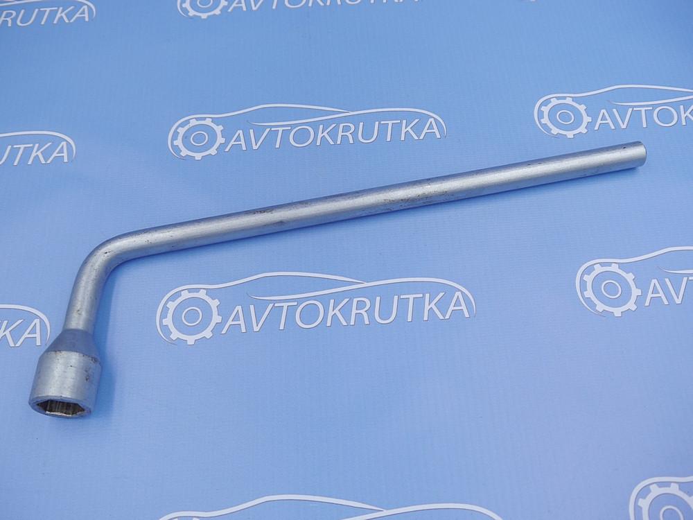 Ключ колесный (балонный) на 17 Mercedes С-Class W203 2000-2007 (Мерседес в203 С-класс)
