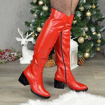 Ботфорты кожаные женские на каблуке. Цвет красный