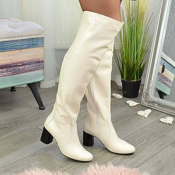 Ботфорты женские кожаные на устойчивом каблуке, цвет бежевый