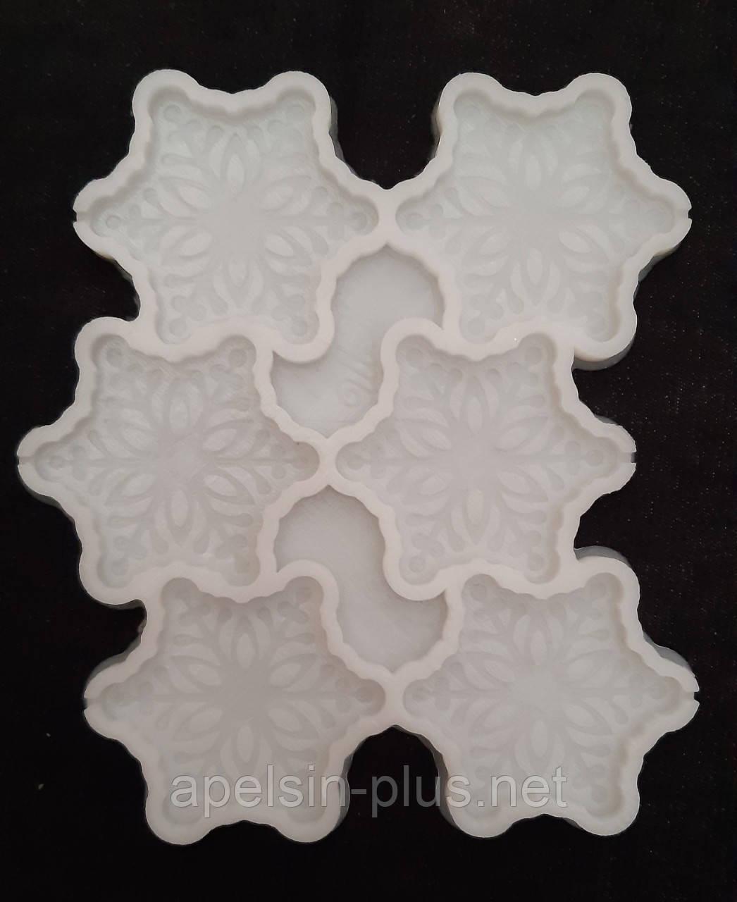 Молд силиконовый для леденцов, карамели, шоколада и мастики Снежинки на 6 ячеек 6,0 см