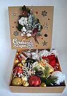 Коробка новорічна зі спиртним і цукерками., фото 1