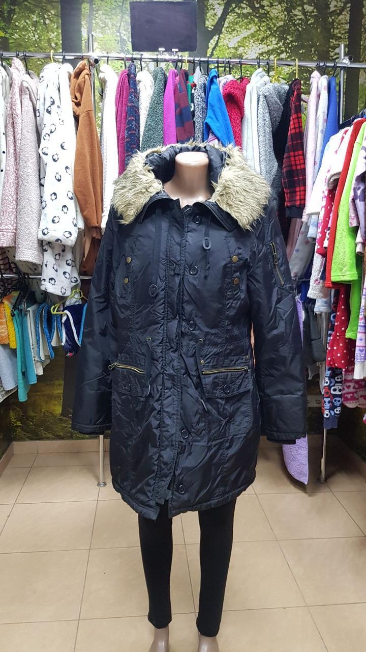 Женская куртка с капюшоном 2536