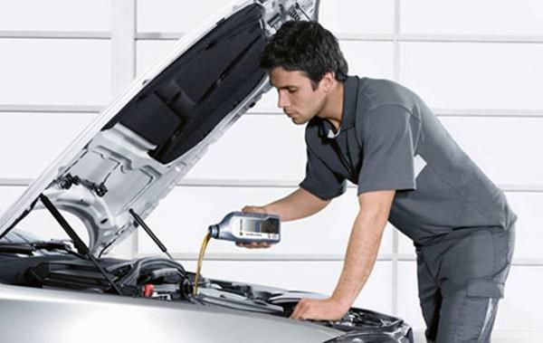 Замена технических жидкостей и фильтров электромобилей Nissan Leaf, Tesla Model S / 3 / X, BMW i3
