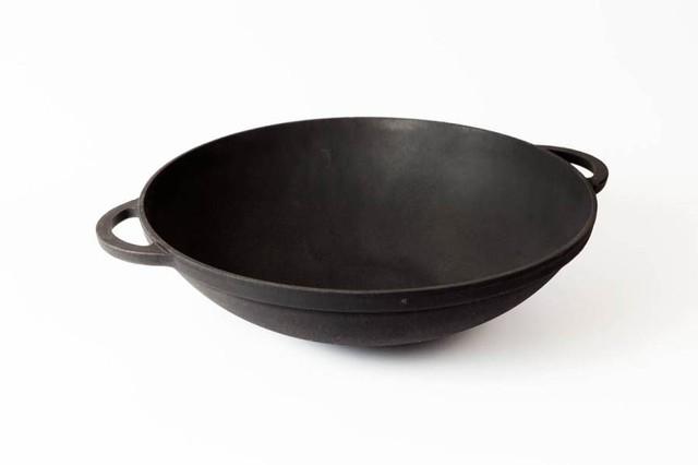 Сковорода чугунная ВОК эмалированная без крышки.  Диаметр 300мм.