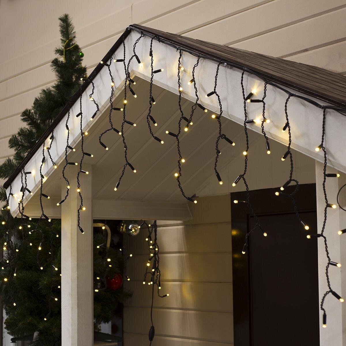"""Світлодіодна гірлянда вулична """"Бахрома"""" LedGO, 3 х 0,6 м, 120 LED Premium, чорний кабель, теплий білий"""